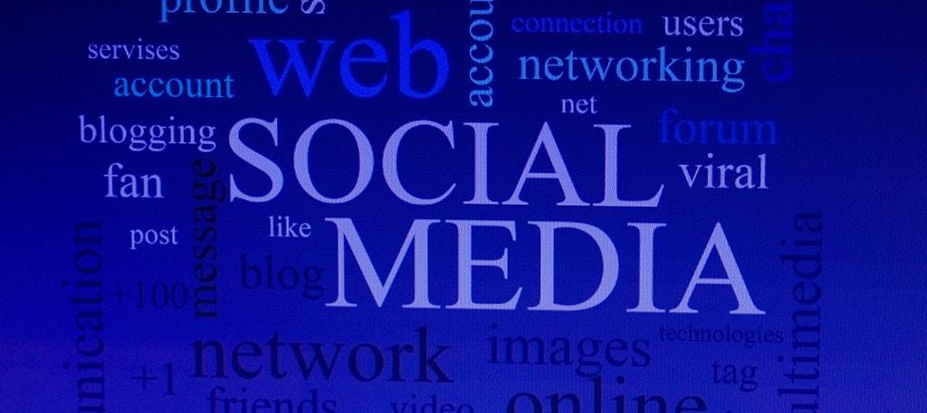 Push Social Media Use